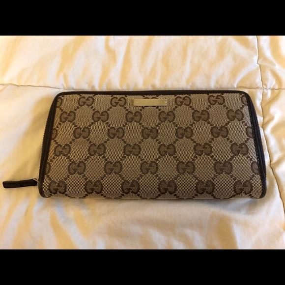 6b5e6a58187140 Gucci Bags   Monogram Canvas Zippy Wallet   Poshmark